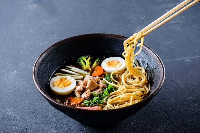 A picture of a bowl of ramen, a classic sample of famous Japanese food.