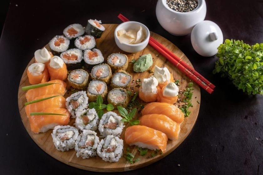 sushi plate to share